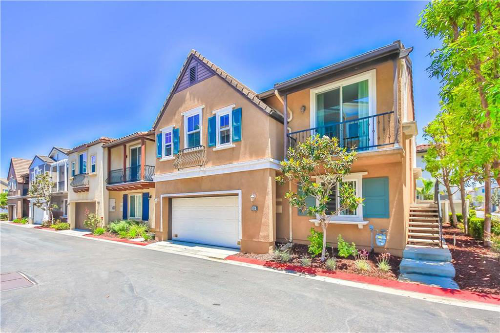Breakers detached homes in the Plaza Del Amo area of Torrance