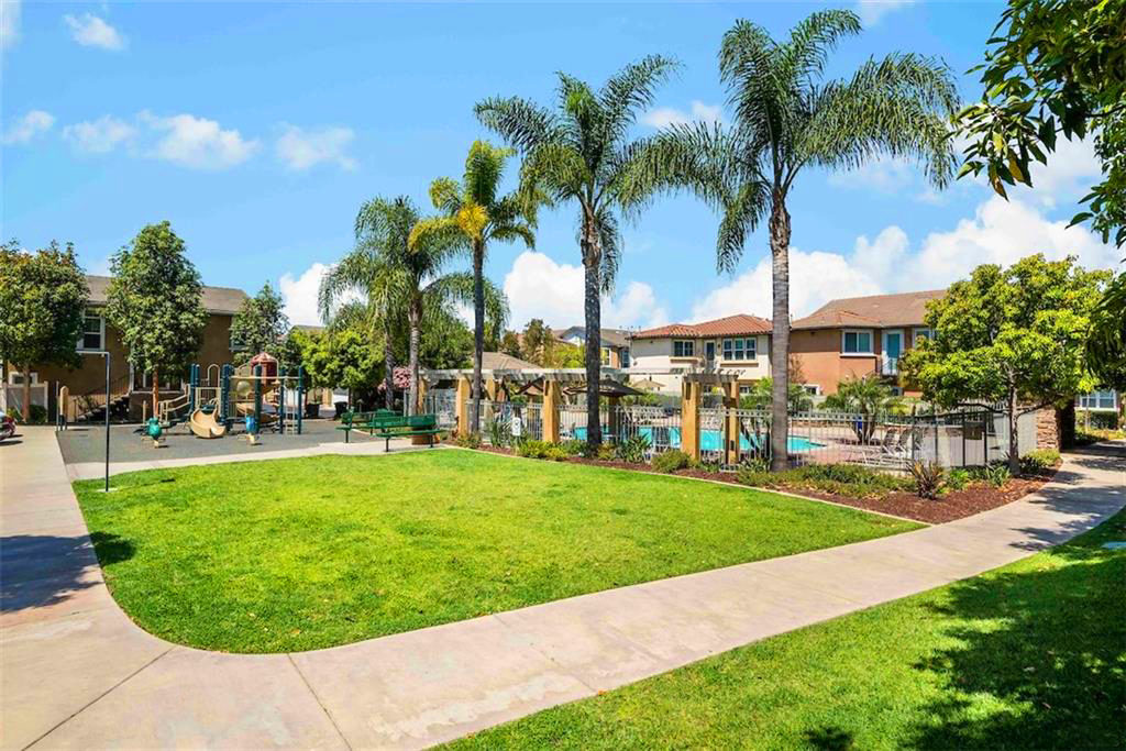 Resort style amenities at Breakers in the Plaza Del Amo area of Torrance CA