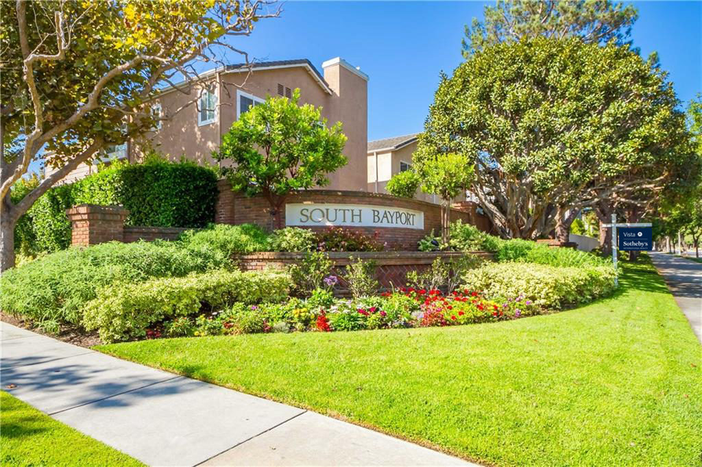 Welcome to the gated community of South Bayport in the Plaza Del Amo are of Torrance CA