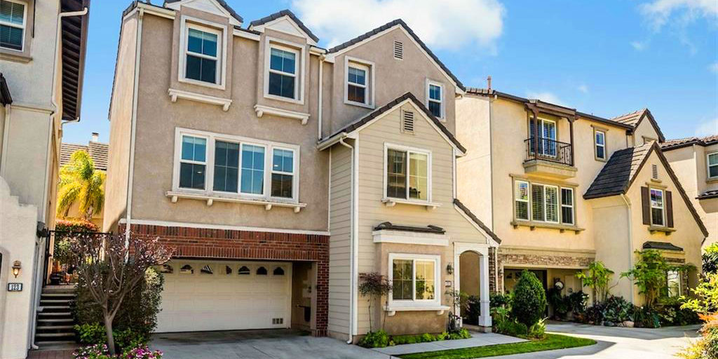The Breakers single family home style detached homes in the Plaza Del Amo area of Torrance CA